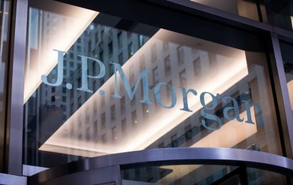 JPMorgan Sends Some Traders Home After Worker Contracts Covid-19