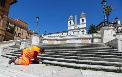 To Save Its Monuments,Rome SeeksCorporate Sponsors