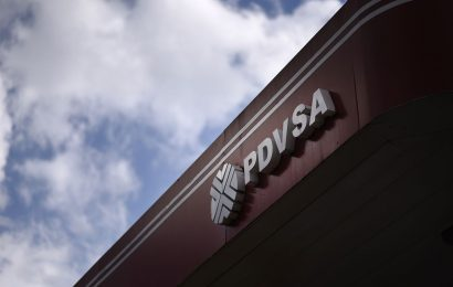 Ex-PDVSA Trader Charged With Bribery in Widespread Graft Probe