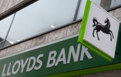 Lloyds to cut hundreds of UK jobs as it revives restructuring plans