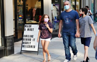 The US needs $3 trillion to undo the economic damage of the pandemic, but policymakers seem unable to hear that message, economist says