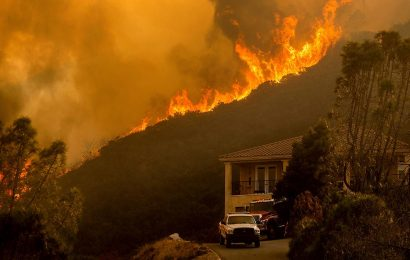 California wildfire threat, winds spur PG&E blackouts for estimated 172,000 customers in 22 counties