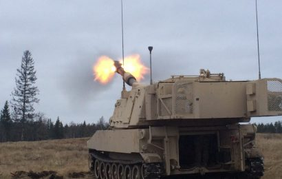 Massive breakthrough: 155 mm howitzer artillery destroys incoming cruise missile