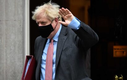 PM Johnson plays down technical failure of Covid-19 testing data system