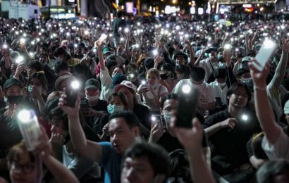 Tensions remain high in Thailand, as protesters' deadline for leader to step down nears