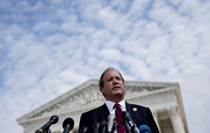 Texas Bombshell on Bribe Claims Threatens States' Google Probe