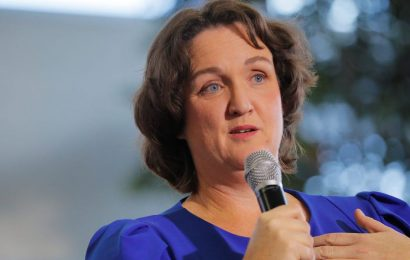 Rep. Katie Porter ripped into pharma executive Mark Alles for repeated price hikes on a cancer drug Revlimid
