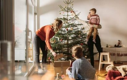 Universal Credit UK: Vital deadline to consider if you want a Christmas payment – act now