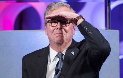 Jeb Bush Goes All Republican On Twitter's 'Partisan' Room Rater