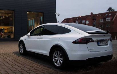 Tesla recalling more than 9,000 Model X cars