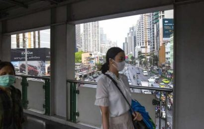 Thailand Holds Fire on Rates While Currency Concerns Rise