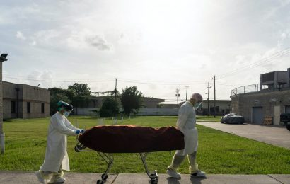 More than 200 incarcerated people and staff at Texas prisons and jails have died from coronavirus, report shows