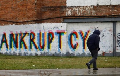 Nearly 300 companies that got up to $500 million in US government stimulus aid have filed for bankruptcy. They employed 23,000 people, a WSJ analysis found.