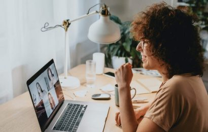 4 ways to revamp your professional networking strategy while working from home