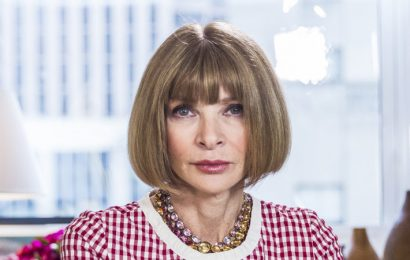 Condé Nast puts Vogue's Anna Wintour in charge of magazines worldwide