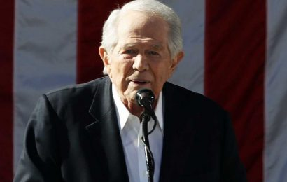Pat Robertson Tells Trump 'It's Time to Move On' After Losing the Election: 'You've Had Your Day'