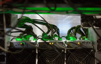 Bitcoin Tops $22,000 and Strategists Say Rally Has Further to Go