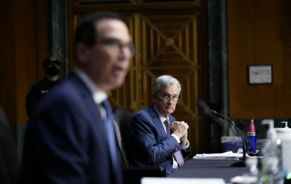 Powell Urges Virus Stimulus Spending for Jobless, Small Business