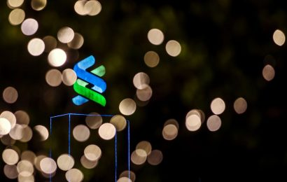 Here Are StanChart's Eight Big Market Risks for 2021