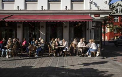 Iceland's Herd Immunity Plan Likely Impacted by Vaccine Delay