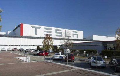 A Case Tesla Is Overvalued by $500 Billion