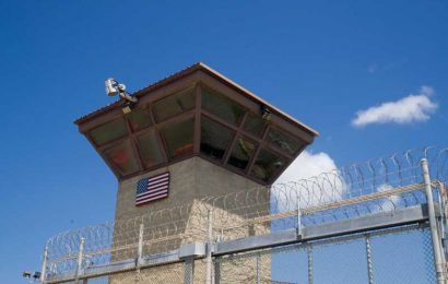 U.S. Pauses Plan To Give COVID-19 Vaccine To Guantanamo Prisoners