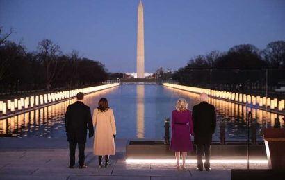 The Most Moving Photos from Tuesday Night's COVID Memorial in Washington, D.C.