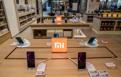 U.S. Blacklists Xiaomi in Widening Assault on China Tech