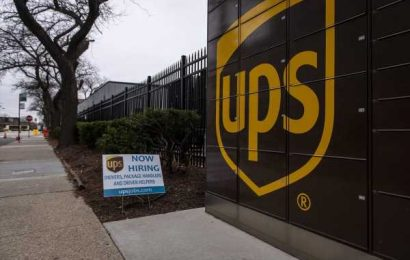 UPS to Sell Trucking Unit Under CEO's 'Better-Not-Bigger' Pledge
