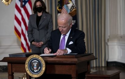 Biden to Order Climate Measures Including Oil Leasing Moratorium