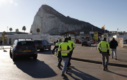 Spain Will Have Final Say on Who Enters Gibraltar, Minister Says