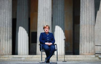 Merkel's Party Must Finally Settle on a New Leader and Is Torn
