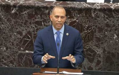 Rep. Hakeem Jeffries promises Pelosi 'will be the next speaker,' as House gears up for vote