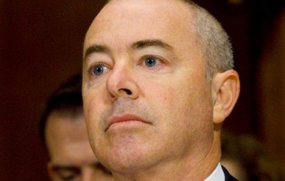 Former Bush homeland security adviser urges Mayorkas confirmation amid DHS 'heightened threat' warning