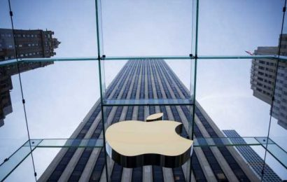 Why Apple's Shares Hold Up In A Market Sell Off