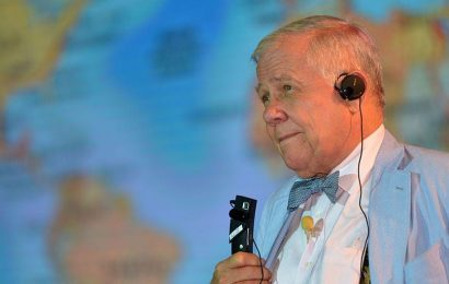 'It's not my first rodeo': Legendary investor Jim Rogers shares 3 ways he is positioning as speculative bubbles grow larger — and where to shield in a market correction
