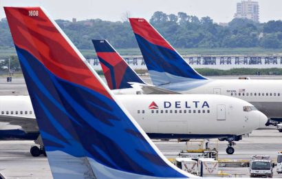 Delta to stop blocking middle seats on May 1 amid growing vaccinations