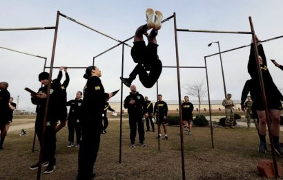 Army revamps fitness exam, kicks out leg tuck test many fail