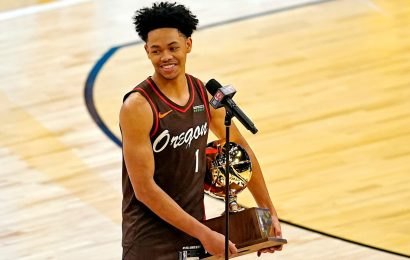 Blazers' Anfernee Simons wins abbreviated slam dunk contest at NBA All-Star Game