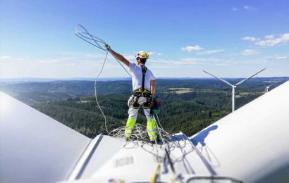 Wind energy could generate 3.3 million jobs in the next five years, industry body claims