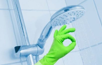 How to clean shower screen with lemon and bicarbonate of soda
