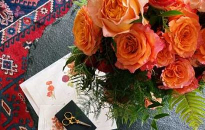 This is what it's like to order from Floracracy, a flower delivery service that makes custom arrangements you help design.