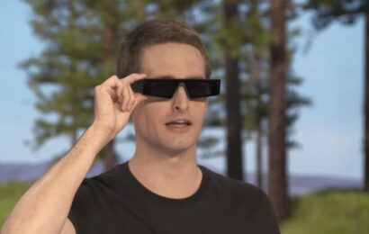 Snap buys WaveOptics, a company that makes parts for augmented reality glasses, in $500 million deal