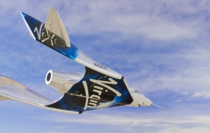 Virgin Galactic soars ahead of weekend test flight, but these two investors have a warning