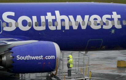 Woman charged with assaulting Southwest flight attendant