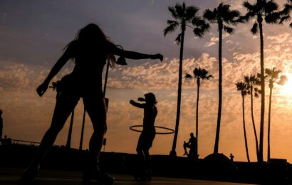 'Extreme heat peril': Californians urged to save power as Western US continues to broil under record temperatures