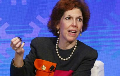 Fed's Mester lauds jobs report but says it's not enough to change policy