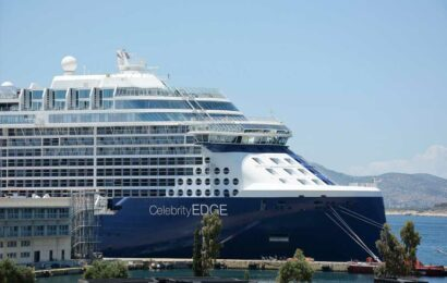 First cruise ship to sail from US as industry seeks comeback