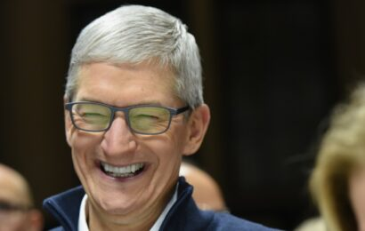 What's Up With Apple: The Road to $3T and WWDC Announcements