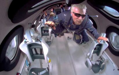 Richard Branson filmed FLOATING around spaceship cabin 250,000 feet above Earth in historic flight